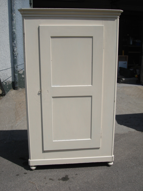 kleiderschrank eiche wei 1 t re massiv w scheschrank bauernschrank lieferung ebay. Black Bedroom Furniture Sets. Home Design Ideas
